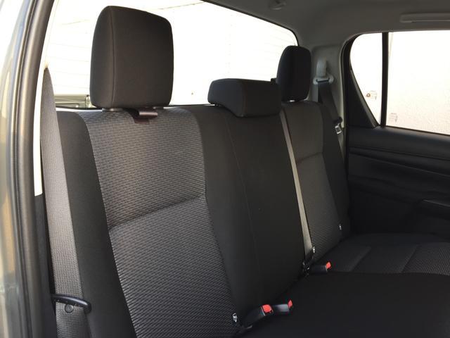 X 登録済み未使用車 4WD ディーゼル ターボ リアチップアップシート 寒冷地仕様 ウインドシールドデアイサー リヤフォグランプ スペアキー 排ガス浄化装置 アイドリングストップ センターデフロック(77枚目)