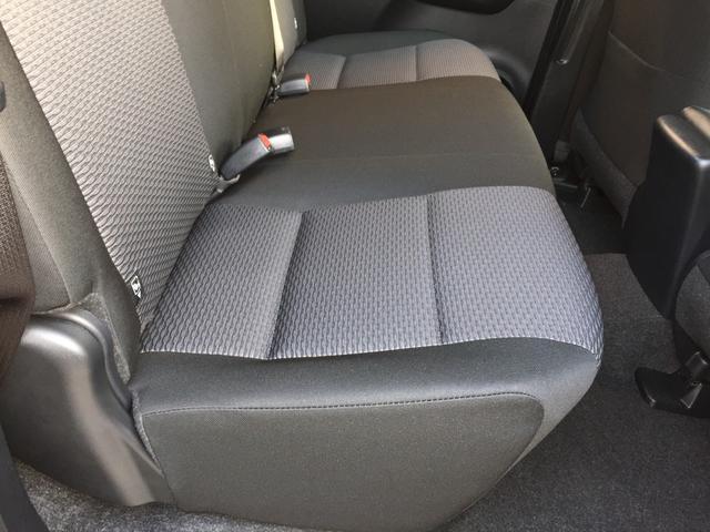 X 登録済み未使用車 4WD ディーゼル ターボ リアチップアップシート 寒冷地仕様 ウインドシールドデアイサー リヤフォグランプ スペアキー 排ガス浄化装置 アイドリングストップ センターデフロック(78枚目)