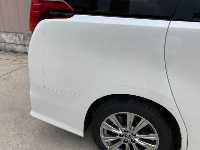2.5S タイプゴールドII 登録済み未使用車 ツインムーンルーフ デジタルインナーミラー BSM RCTA 9型ディスプレイオーディオ バックカメラ セーフティセンス 両側電動 電動リアゲート 3眼LED 100V電源(33枚目)