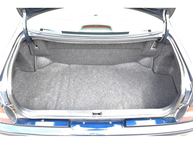 トランクは奥行きこそ少ないもののしっつかりとした収納スペースがあり便利ですよ(^^♪