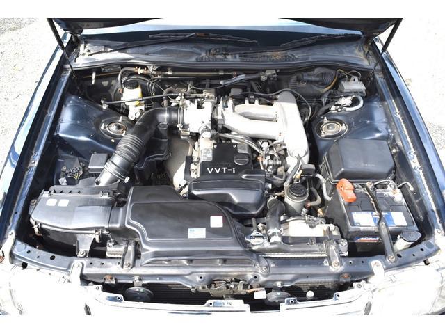 1JZエンジン!2500CC!燃費も経済的にもオススメ! でも力ずよく加速もするので満足です!