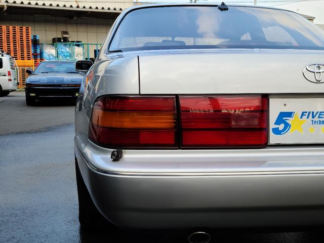 C仕様 革シートグレー 運転席助手席パワーシートクルーズコントロール 運転席シートメモリー 本革巻ステアリング オートライト 純正15インチアルミホイール シルバーツートンカラー 実走行42600キロ(28枚目)