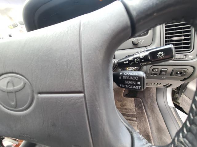C仕様 革シートグレー 運転席助手席パワーシートクルーズコントロール 運転席シートメモリー 本革巻ステアリング オートライト 純正15インチアルミホイール シルバーツートンカラー 実走行42600キロ(30枚目)