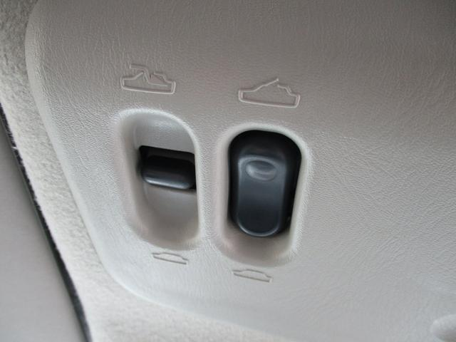 St 4WD ETC KENWOODナビ 撥水加工シート サンルーフ キーレス HIDヘッドライト(18枚目)