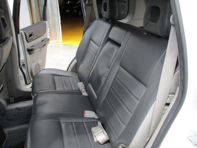 St 4WD ETC KENWOODナビ 撥水加工シート サンルーフ キーレス HIDヘッドライト(27枚目)