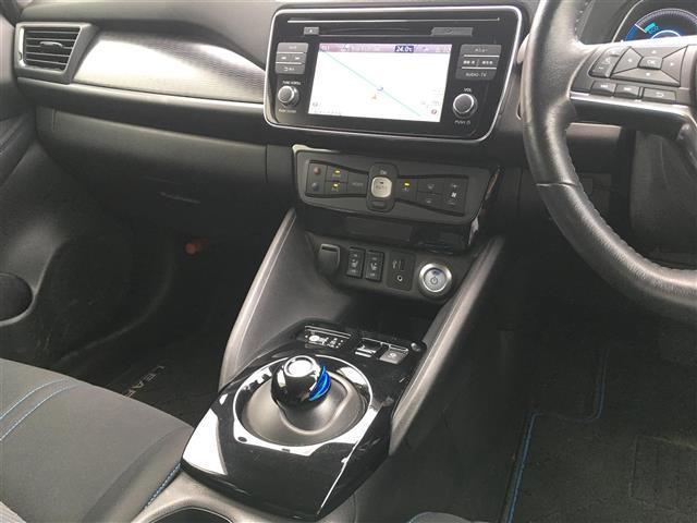 G ワンオーナー/EV専用 ナビ 日産コネクト フルセグ/アラウンドビューモニター/プロパイロット/電動パーキングブレーキ/スマートバックミラーLEDヘッドライト/LEAF充電ケーブル/保証書(19枚目)