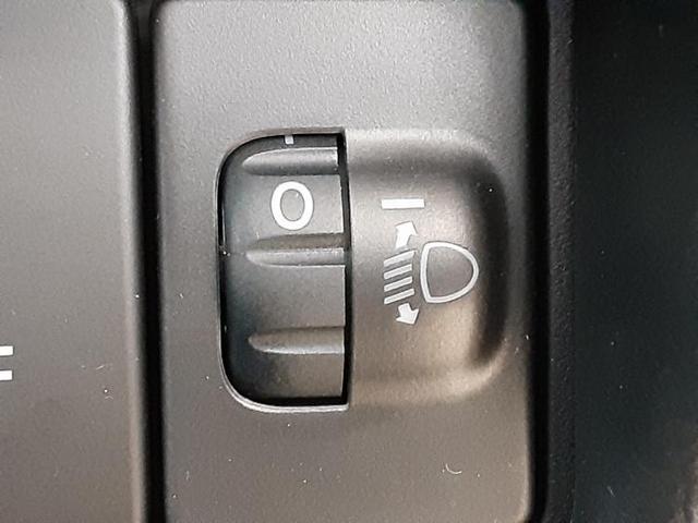 駆動FFヘッドランプアイドリングストップパワーウインドウキーレスオートエアコンシートヒーター前席ベンチシート2列目分割可倒パワステエアバッグ EBD付ABS横滑り防止装置(13枚目)
