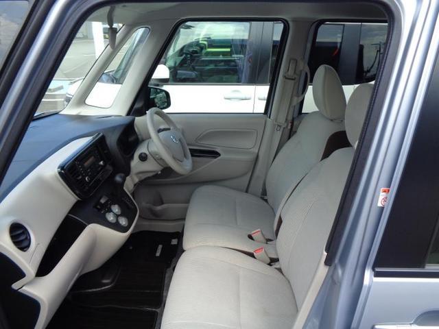 S CD付/EBD付ABS/アイドリングストップ/エアバッグ 運転席/エアバッグ 助手席/パワーウインドウ/パワーステアリング/FF/エマージェンシーブレーキ/衝突安全ボディ/盗難防止システム/禁煙車(5枚目)