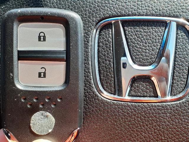 X・ホンダセンシング 社外8インチナビ/LEDヘッド/ナビ装着用SP+ETC/プッシュスタート/ヘッドランプ LED/EBD付ABS/横滑り防止装置/アイドリングストップ/エアバッグ 運転席/エアバッグ 助手席 禁煙車(13枚目)