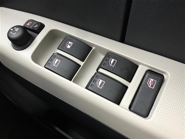 X SAIII ブレーキサポート オートハイビーム LEDヘッドライト アイドリングストップ スマートキー プッシュスタート コーナーセンサー フロントライトレベライザー 電動格納ミラー サイドウインカー(9枚目)