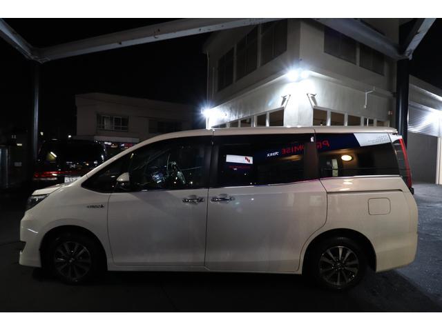 「トヨタ」「エスクァイア」「ミニバン・ワンボックス」「埼玉県」の中古車3