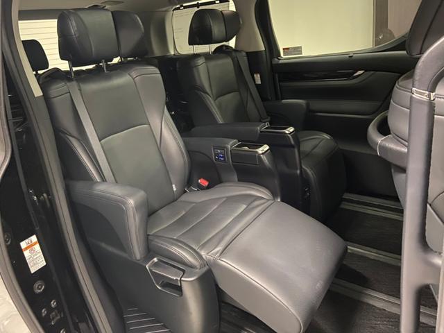 後部座席シートも状態がいいです。