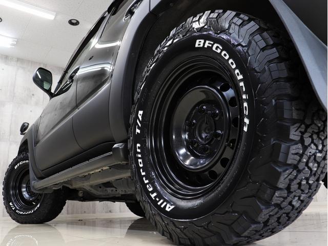 SSR-X サンルーフ 4WD BRERAオリジナルカスタム 新品ホワイトレターオールテレーンタイヤ 新品インナーブラックイカリングライト&LEDテール マットブラック塗り分けペイント HDDナビ ETC(12枚目)