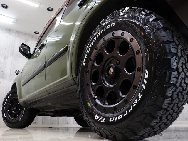 X 4WD BRERAオリジナルカスタム 新品アルミ&新品BFグッドリッチオールテレーンタイヤ インナーブラックヘッドライト マットブラック塗り分けペイント 革シート ナビ ETC バックカメラ キーレス(12枚目)