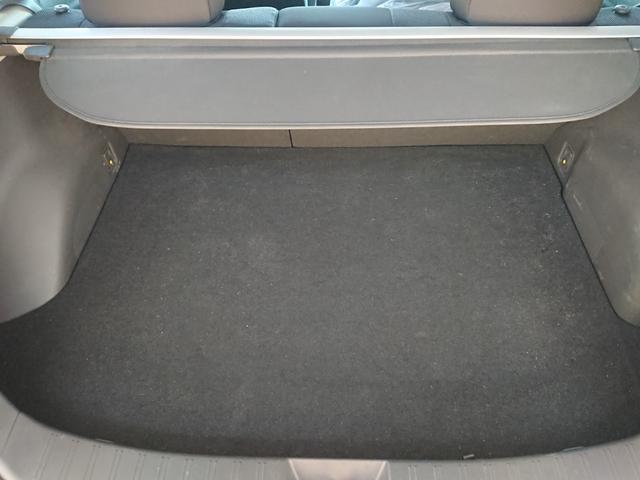 ラゲッジスペースも広々!多少の汚れはありますが、破れやシミ等はありません!