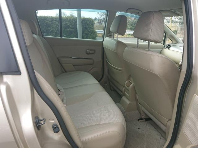 リアシートもシートのシミがありますが、へたりや破れはありません!