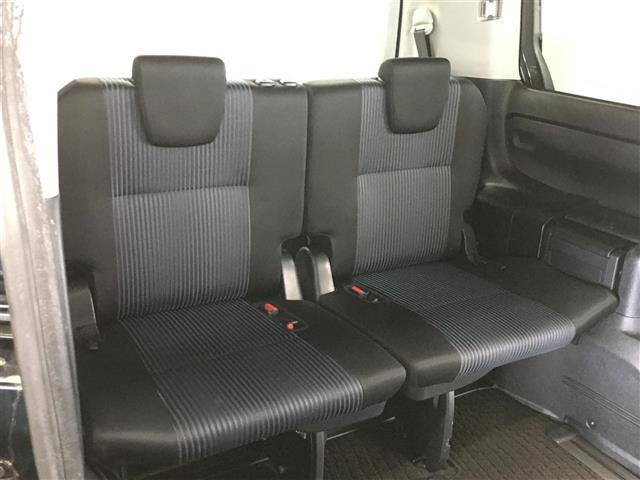 ハイブリッドZS トヨタセーフティセンス 衝突被害軽減ブレーキ 車線逸脱警報システム 車両接近通報装置 社外SDナビ フルセグTV バックカメラ 片側パワースライドドア LEDヘッドライト オートライト(11枚目)