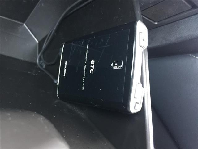XDブラックレザーリミテッド SCBS/レーンキープアシスト/純正SDナビ/フルセグ/Bカメラ/Bluetooth/クルコン/ハーフレザー/シートヒーター/パドルシフト/横滑り防止装置/純正16インチAW/ETC/スマートキー(6枚目)