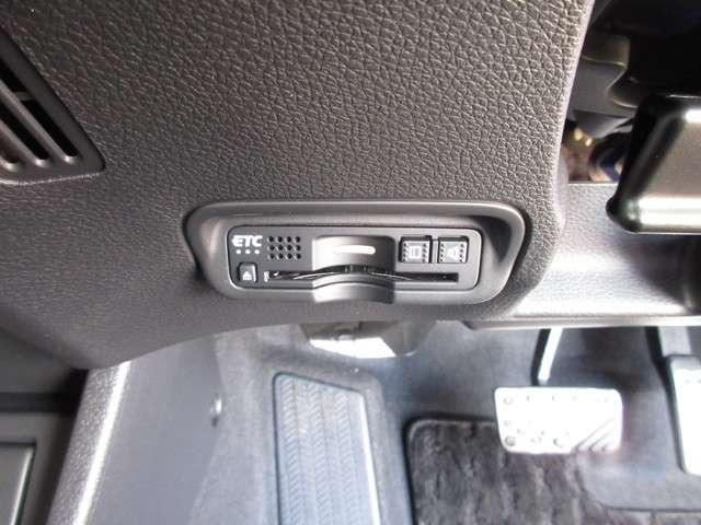 ツーリング・ホンダセンシング 2年保証付 デモカー 衝突被害軽減ブレーキ クルーズコントロール メモリーナビ Bカメラ フルセグ USB入力端子 シートヒーター 純正アルミ LEDヘッドライト ETC スマートキー ワンオーナー車(12枚目)
