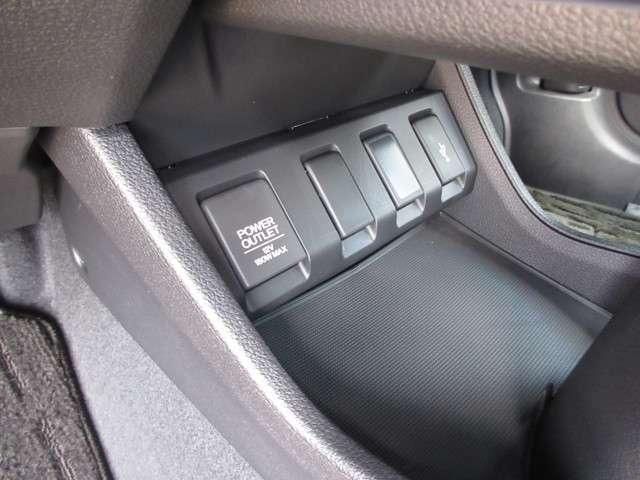 ツーリング・ホンダセンシング 2年保証付 デモカー 衝突被害軽減ブレーキ クルーズコントロール メモリーナビ Bカメラ フルセグ USB入力端子 シートヒーター 純正アルミ LEDヘッドライト ETC スマートキー ワンオーナー車(13枚目)