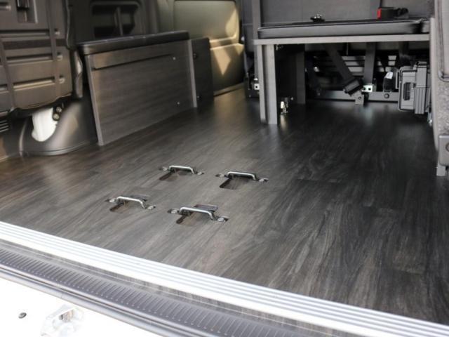 GL ロング 未登録新車 FLEXシートアレンジVer2 6型ホワイトパール エアロフロントリップ テールランプ テーブル 床張り施工 ETC フルフラット 車中泊ベッドキット ベンチシートパワースライド カスタム(10枚目)