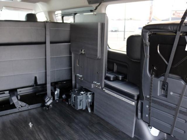 GL ロング 未登録新車 FLEXシートアレンジVer2 6型ホワイトパール エアロフロントリップ テールランプ テーブル 床張り施工 ETC フルフラット 車中泊ベッドキット ベンチシートパワースライド カスタム(14枚目)