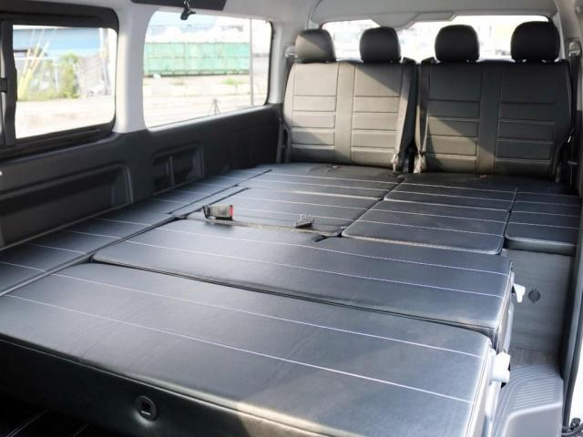 GL ロング 未登録新車 FLEXシートアレンジVer2 6型ホワイトパール エアロフロントリップ テールランプ テーブル 床張り施工 ETC フルフラット 車中泊ベッドキット ベンチシートパワースライド カスタム(15枚目)