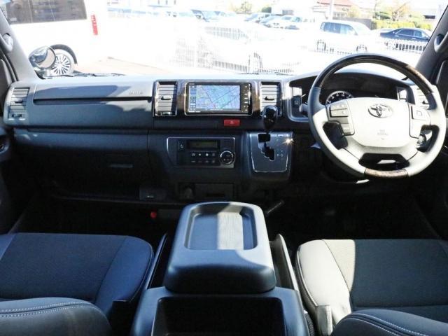 スーパーGL ダークプライムII 未登録新車6型ハイエースバン2WD スーパーGLダークプライム2特別仕様車 カスタムパッケージ ブラック黒 レジャーキャンプアウトドア車中泊ベッドキット 積載 SDフルセグナビ パノラミックビュー(2枚目)