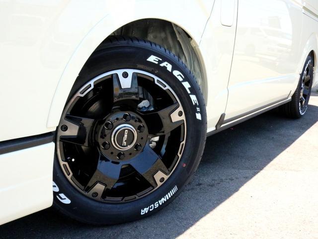 ホイールにはDEAN クロスカントリー16AWを採用。タイヤはグッドイヤーナスカーホワイトレタータイヤを合わせました。
