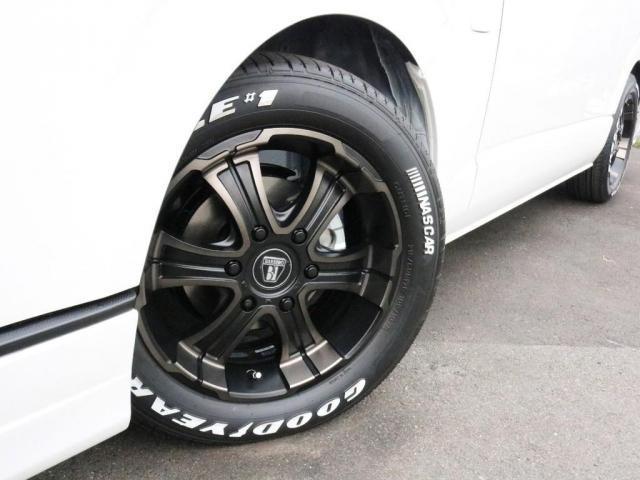 スーパーGL ダークプライムIIワイド ロングボディ FLEXカスタムPKG 両側パワースライドドア フロントリップスポイラー Delf03 17インチホイール ホワイトレタータイヤ ローダウン ベッドキットフラットタイプ車中泊対応 SDフルセグ ETC(4枚目)
