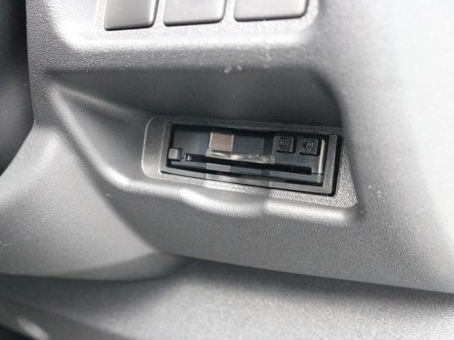 スーパーGL ダークプライムIIワイド ロングボディ FLEXカスタムPKG 両側パワースライドドア フロントリップスポイラー Delf03 17インチホイール ホワイトレタータイヤ ローダウン ベッドキットフラットタイプ車中泊対応 SDフルセグ ETC(18枚目)