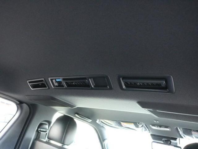 スーパーGL ダークプライムII 未登録新車ハイエースバンカスタム ダークプライムII特別仕様車 床張りフローリング施工 6型新メーカーオプション完備 フレックスエアロ アルティメットLEDテールランプ DELF04アルミ ベース車両(15枚目)