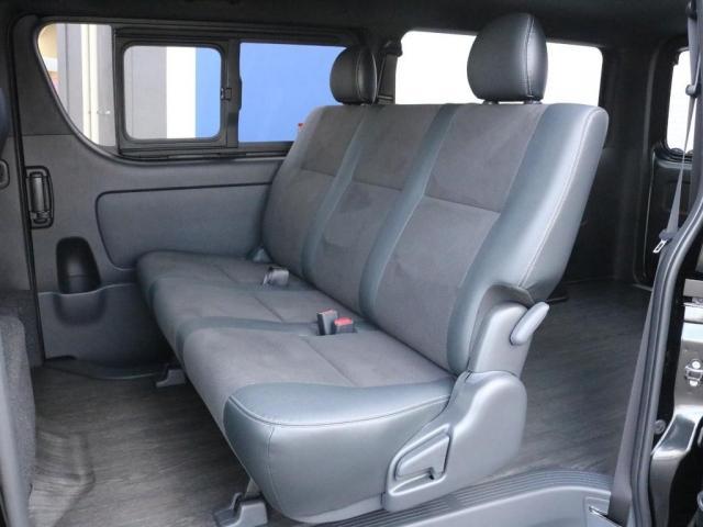 スーパーGL ダークプライムII 未登録新車ハイエースバンカスタム ダークプライムII特別仕様車 床張りフローリング施工 6型新メーカーオプション完備 フレックスエアロ アルティメットLEDテールランプ DELF04アルミ ベース車両(17枚目)