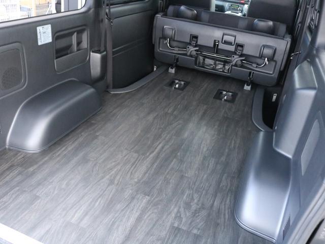 スーパーGL ダークプライムII 未登録新車ハイエースバンカスタム ダークプライムII特別仕様車 床張りフローリング施工 6型新メーカーオプション完備 フレックスエアロ アルティメットLEDテールランプ DELF04アルミ ベース車両(78枚目)