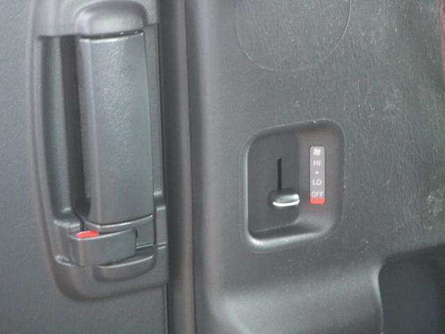 GL ロング FLEXシートアレンジVer1.5デニムカスタム フルフラットベッドキット車中泊対応 テーブルモード 3列目シート跳ね上げ収納可能 床張りフローリング施工 デニム&ウッド調 全席デニムシートカバー(40枚目)