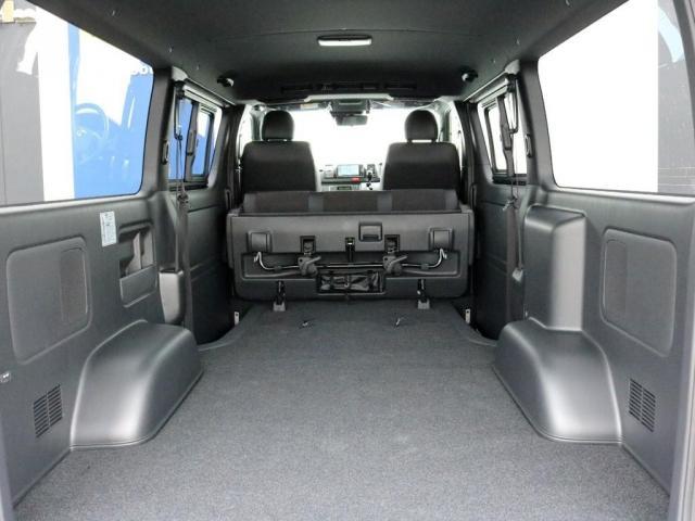 スーパーGL ダークプライムII ロングボディ オフロードバンパーガード ロックケリーAW&TOYOオープンカントリーブロックタイヤ ストラーダSDフルセグナビ ETC デジタルインナーミラー クリアランスソナー PMV 4WD寒冷地仕様 カスタム(12枚目)