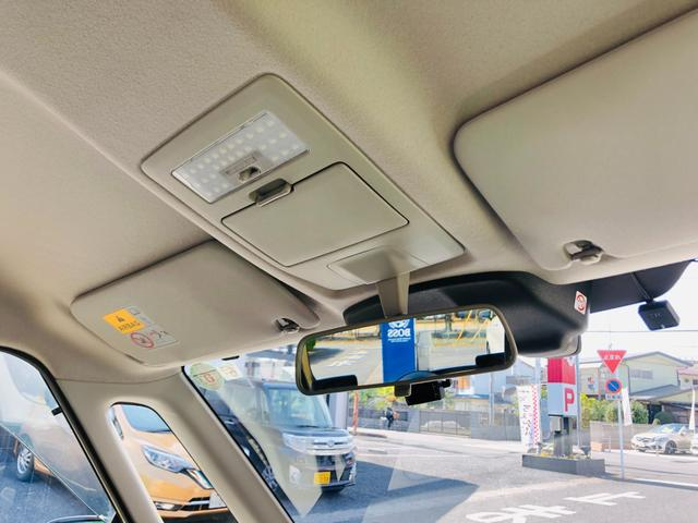 Fリミテッド 社外ナビ・フルセグテレビ・LEDライト・オートライト・両側パワースライドドア・キーレス・プッシュスタート・デュアルカメラブレーキサポート・アイドリングストップ・プライバシーガラス・革巻きステアリング(17枚目)