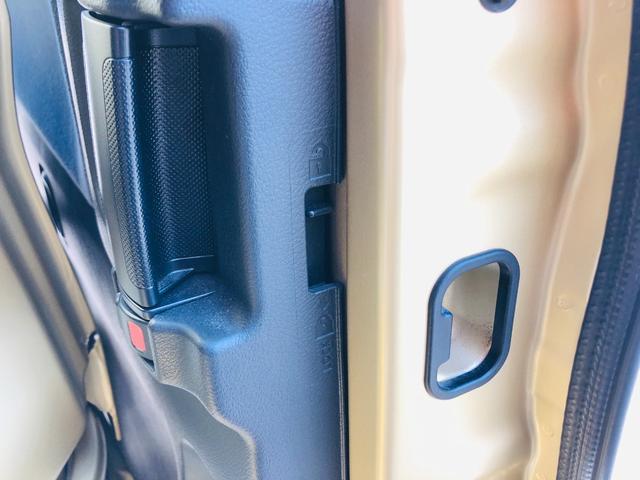 Fリミテッド 社外ナビ・フルセグテレビ・LEDライト・オートライト・両側パワースライドドア・キーレス・プッシュスタート・デュアルカメラブレーキサポート・アイドリングストップ・プライバシーガラス・革巻きステアリング(37枚目)