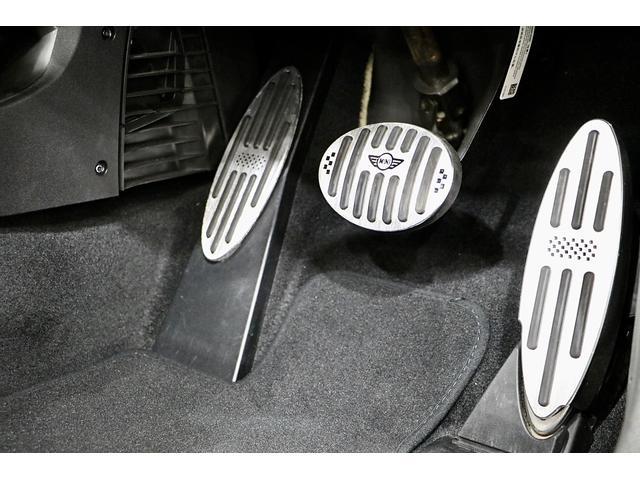 クーパーS 1.1万km ナビ 地デジ ブラックリフレクターHIDライト 点検整備記録簿 ETC パドルシフト 16インチアロイホイール スポーツストライプ(外し可能) S専用スポーツシート(47枚目)
