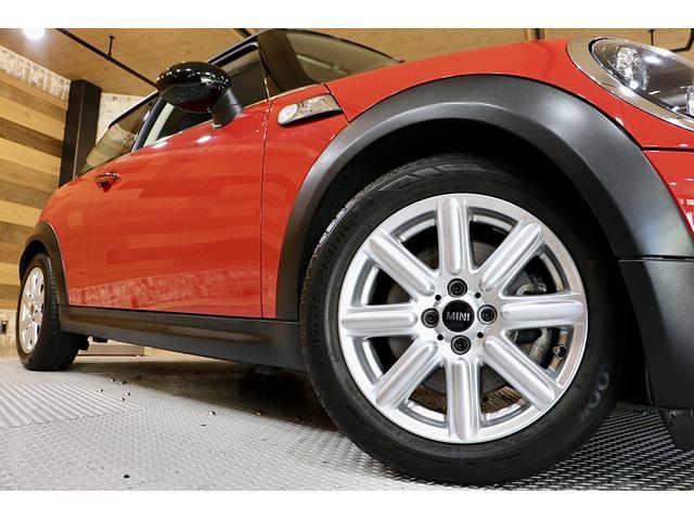 クーパーS 1.1万km ナビ 地デジ ブラックリフレクターHIDライト 点検整備記録簿 ETC パドルシフト 16インチアロイホイール スポーツストライプ(外し可能) S専用スポーツシート(50枚目)