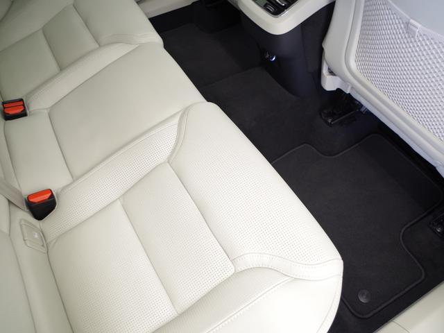 T5 AWD インスクリプション ACC HUD マッサージ機能  360°カメラ 本革 シートヒーター エアシート メモリーシート harman/kardon パワーシート 純正SDナビ Bluetooth 電動リアゲート(36枚目)