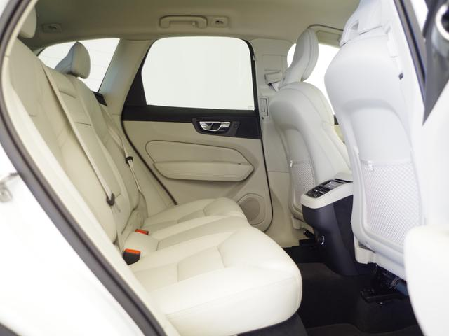 T5 AWD インスクリプション ACC HUD マッサージ機能  360°カメラ 本革 シートヒーター エアシート メモリーシート harman/kardon パワーシート 純正SDナビ Bluetooth 電動リアゲート(37枚目)