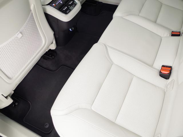 T5 AWD インスクリプション ACC HUD マッサージ機能  360°カメラ 本革 シートヒーター エアシート メモリーシート harman/kardon パワーシート 純正SDナビ Bluetooth 電動リアゲート(59枚目)