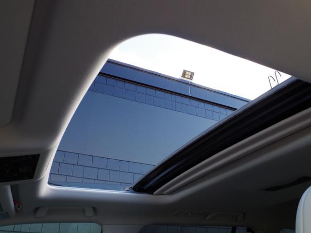 LX570 モデリスタエアロ&マフラー SR 白革 プリクラッシュSFT レーダークルーズ HUD 純正ナビ フルセグ 全方位カメラ 純正エアサス OP21インチAW ヒートヒーター&クーラー電動格納サードシート(20枚目)