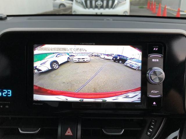 【バックカメラ】ドライバーの死角になる後方をフォロー。駐車時のサポートを行ってくれます。