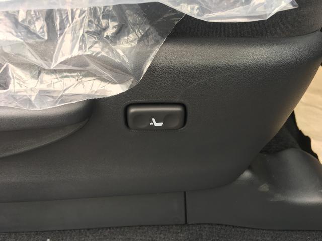 【ランバーサポート】ランバーサポートは背もたれの圧力の調整が可能で腰への負担を軽減し、快適な長距離ドライブをサポートします♪