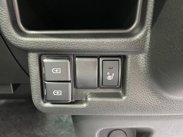 ハイブリッドS 届出済未使用車 衝突軽減 車線逸脱警報 レーダークルーズコントロール 両側電動ドア ヘッドアップディスプレイ リヤパーキングセンサー シートヒーター プッシュスタート スマートキー オートエアコン(8枚目)