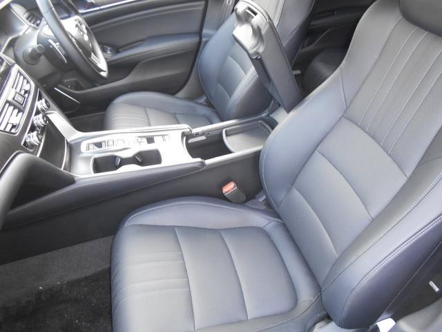 EX ホンダセンシング 本革シートパワーシート  8インチインターナビ 全席シートヒーター 前後ドライブレコーダー ETC アクティブダンパーシステム 18インチアルミ タイヤレグノ(17枚目)