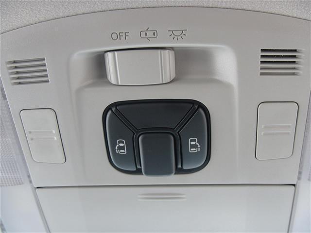 2.4Z 両側電動スライドドア Pioneerハードディスクナビ フルセグテレビ DVD再生 ミュージックサーバー バックカメラ ドライブレコーダー スマートキー 18インチアルミホイール コーナーセンサー(3枚目)