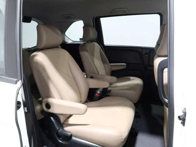 G プレミアムエディション 認定中古車 メモリーナビ Bカメラ フルセグTV DVD再生 両側電動スライドドア 後席モニター HIDヘッドライト ETC スマートキー ワンオーナー車(16枚目)